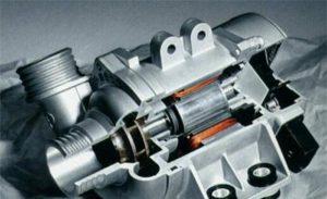 La pompe à eau électronique de BMW présente de nombreux avantages et permet d'économiser du carburant
